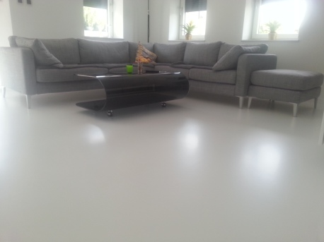 posadzka dekoracyjna poliuretanowa biała matowa 1